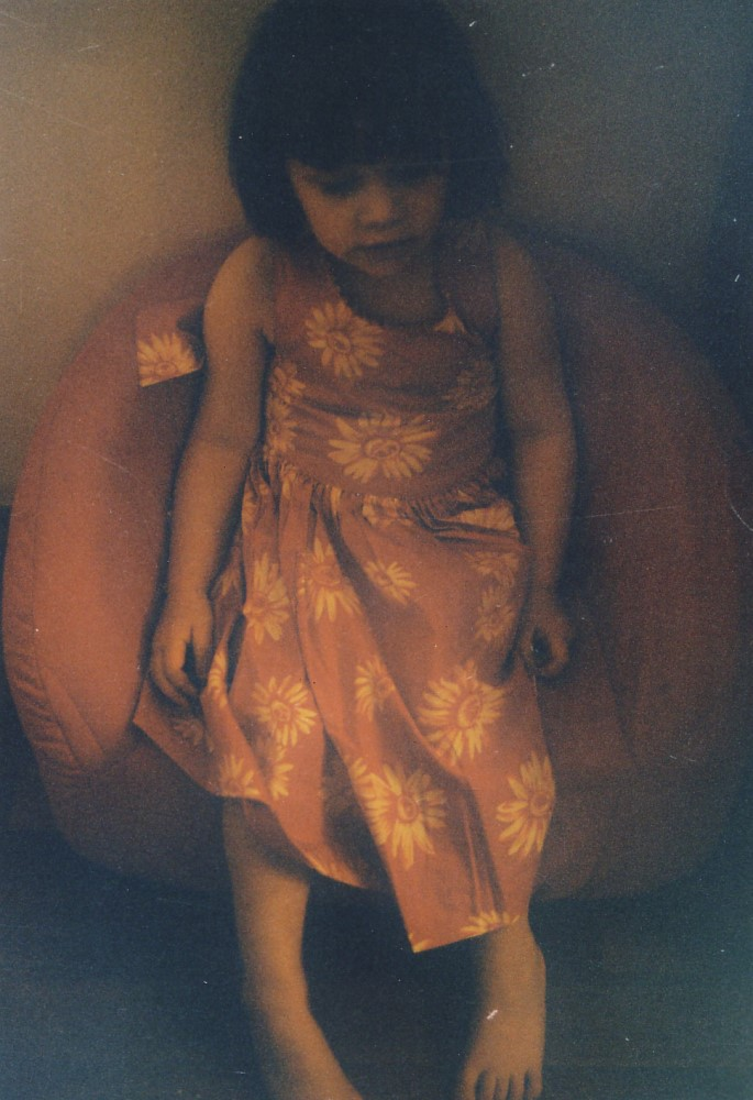 Cosima, roter Sessel, 1998